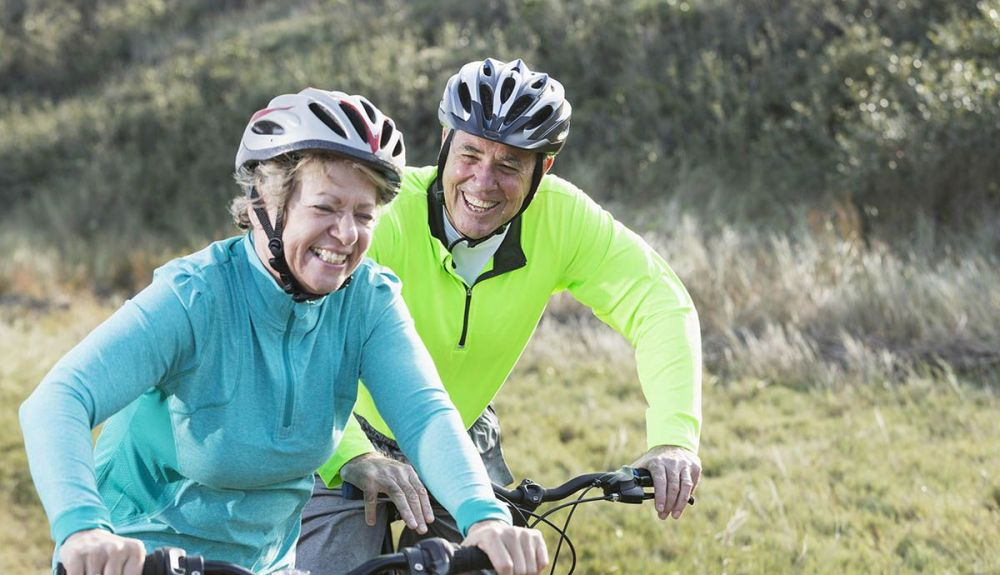 mountainbike woman senior iStock 467307995