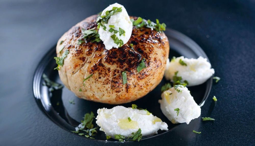 Chicken with fresh cheese