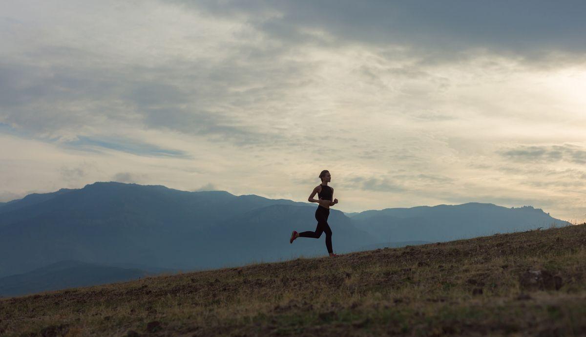 ¿Pierdo más grasa corriendo 20 minutos a tope o una hora suave?