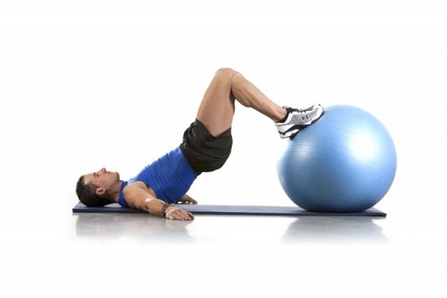 Ejercicio fitness ball