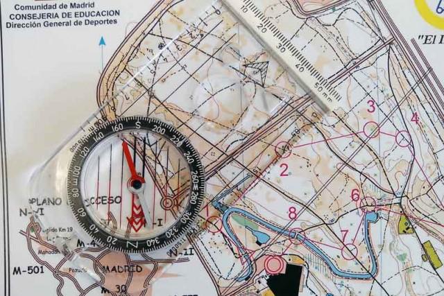 Une el punto del mapa en el que estás con el que quieres ir