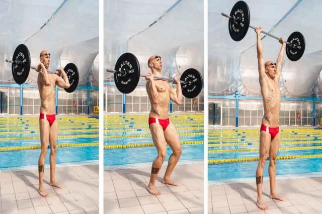 Crossfit en el agua: press de hombros