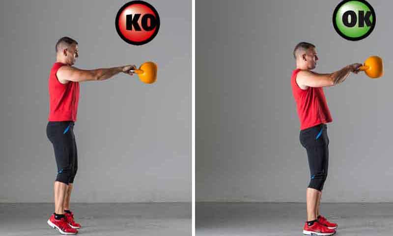 Swing con kettlebell: evita errores