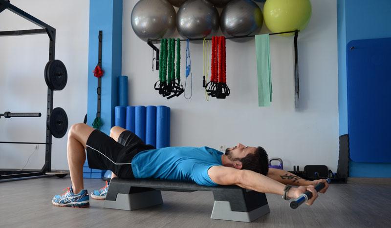 Tres ejercicios para movilizar tu cintura escapular