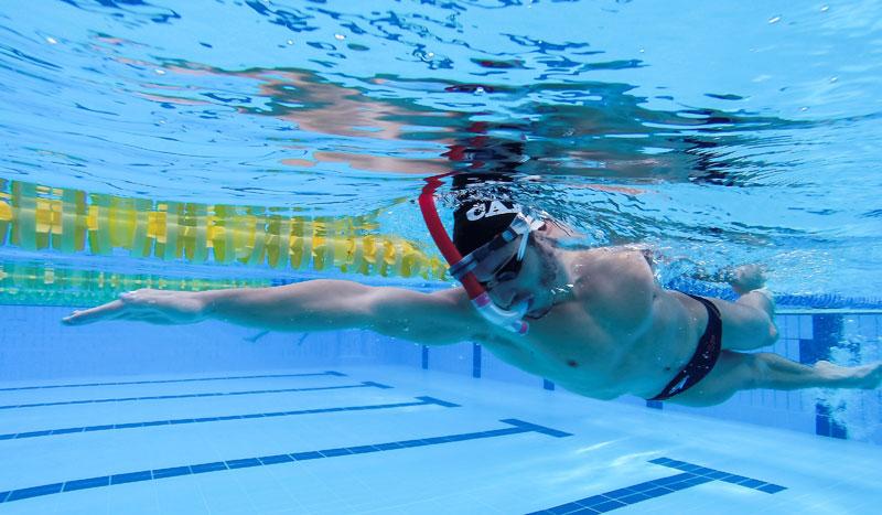 Nada con tuba para nadar más rápido