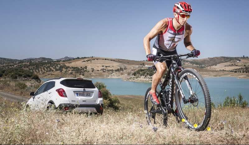 El coche amigo de las bicis, ¡FlexFix al poder!