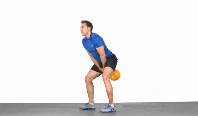 El ejercicio de Domingo Sánchez: squat inclinado