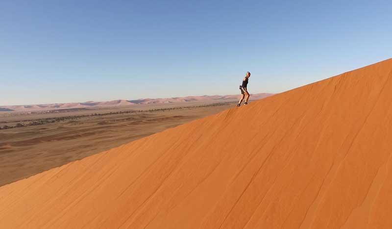 Mil kilómetros corriendo por el desierto de Namibia: la crónica de la Princesa del Desierto