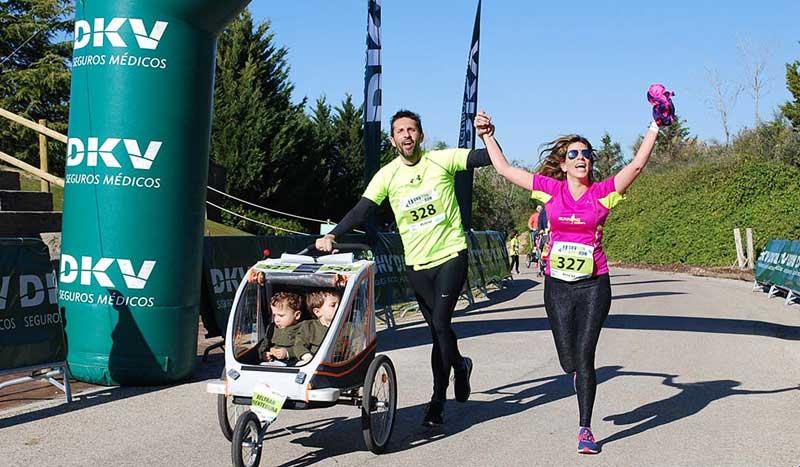 La primera carrera de carritos para familias deportistas: así fue la DKV Run Baby Run