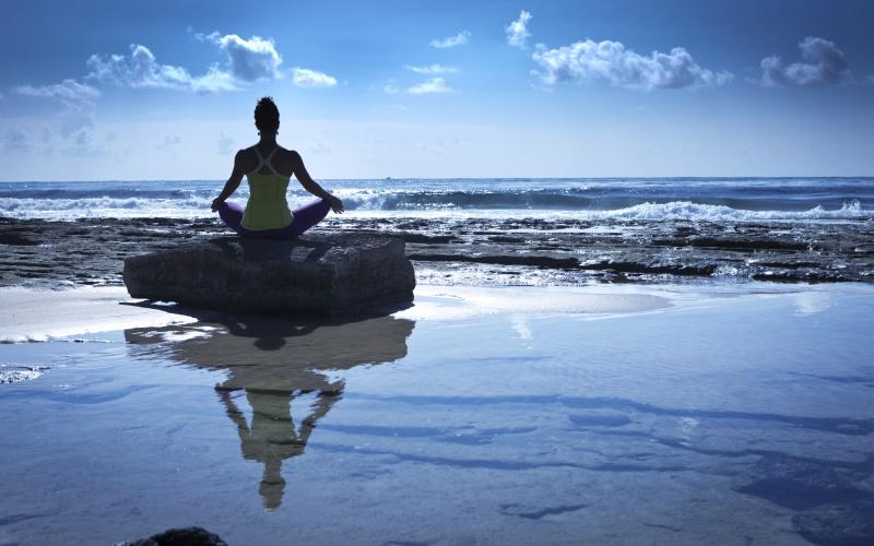 """Retiro de Yoga en Lanzarote: """"Conectando con los 4 elementos"""""""