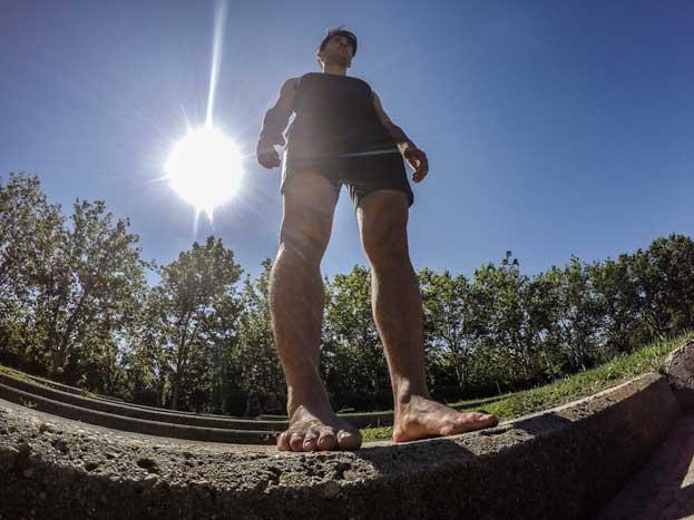 Más de 200 km descalzo: la historia del ultrafondista Karim El Hayani