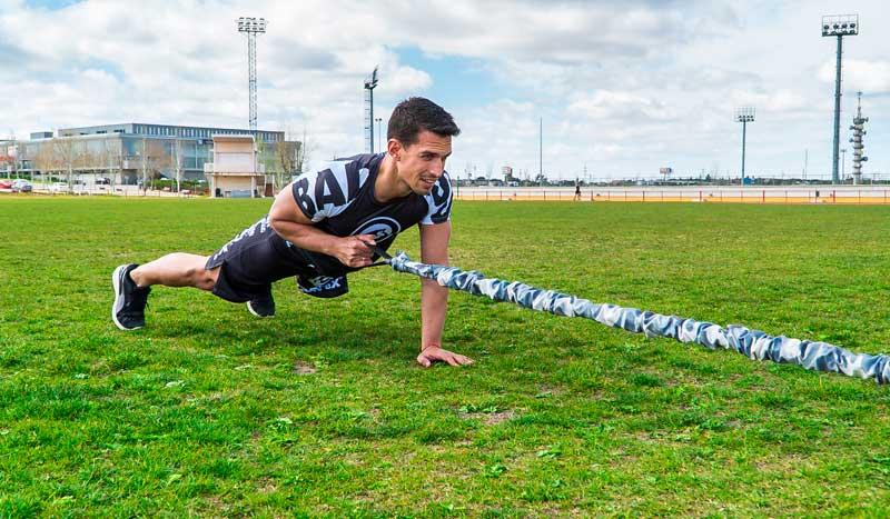 Entrenamiento elástico-dinámico con gomas para ganar fuerza e hipertrofia