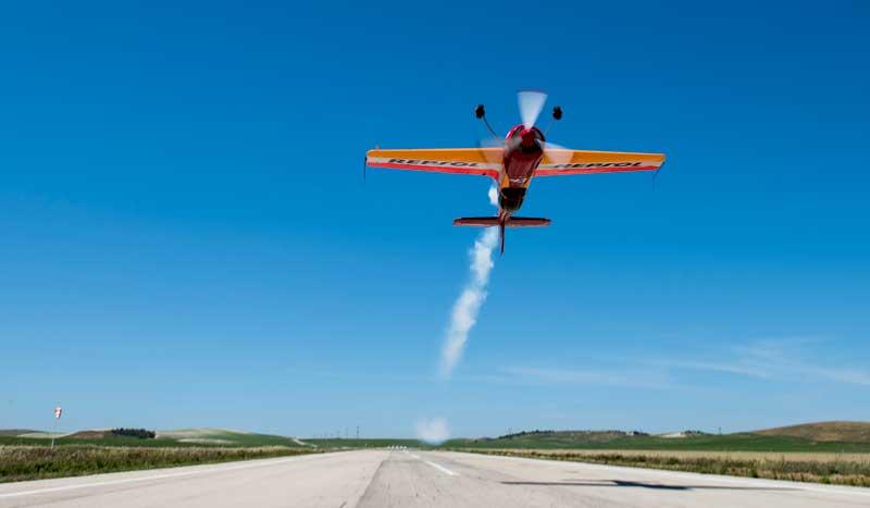 A 1.000 metros sobre el suelo... ¡Probamos el vuelo acrobático!