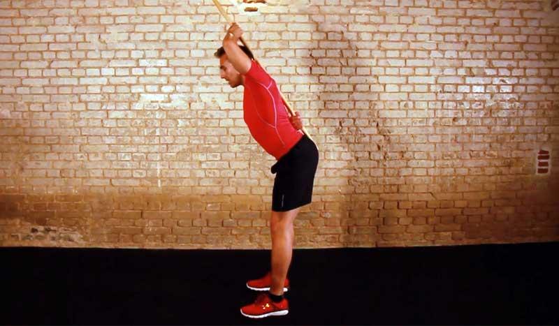 """El ejercicio """"amigo"""" de tu espalda: bisagra de cadera"""