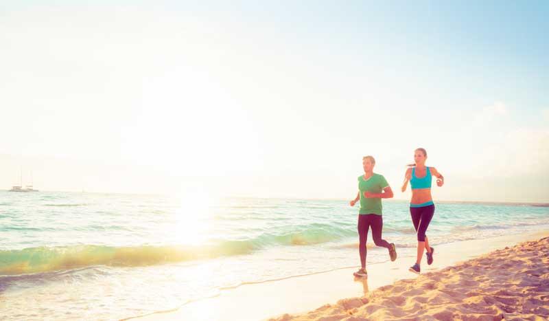 Mitos y realidades sobre correr por la playa