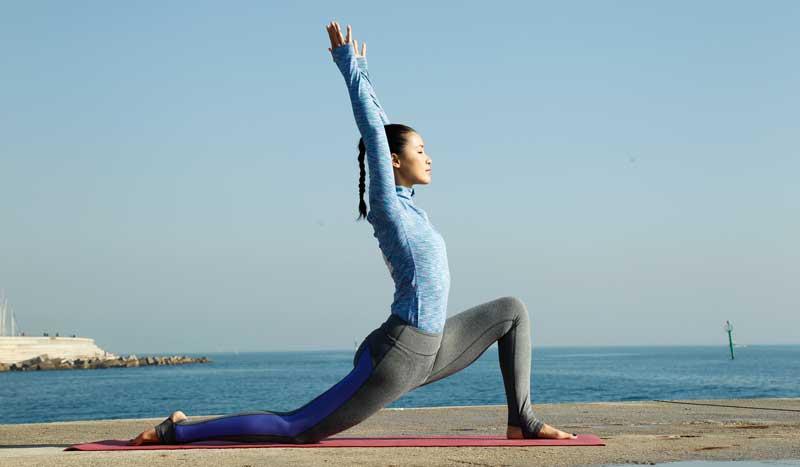 Las Mejores Posturas De Yoga Para Principiantes Posturas Sportlife