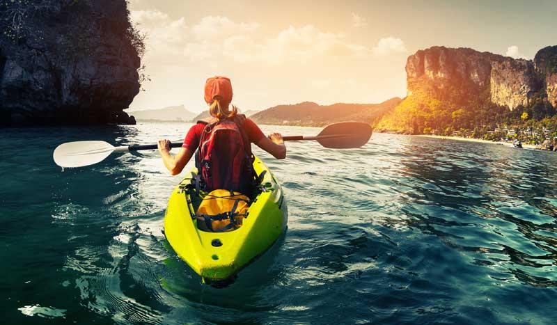 ¡Atrévete a surcar los mares en kayak!