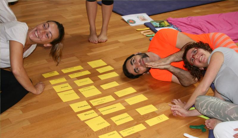 Formación de yoga para niños con cuentos