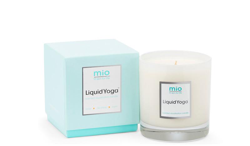 Una vela, el complemento perfecto para tus sesiones de yoga