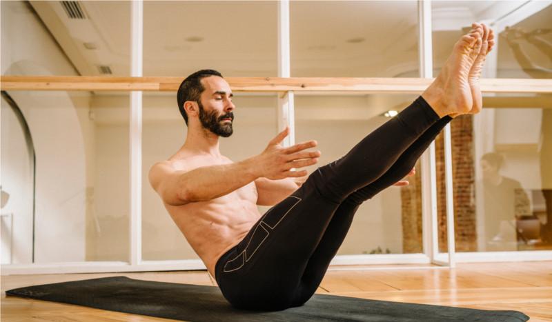 Rutina para tonificar los abdominales con yoga