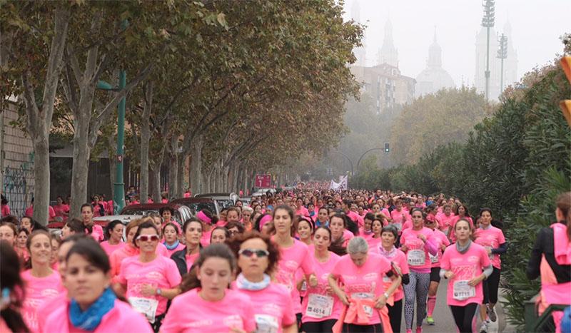 La marea rosa de la Carrera de la Mujer conquista Zaragoza