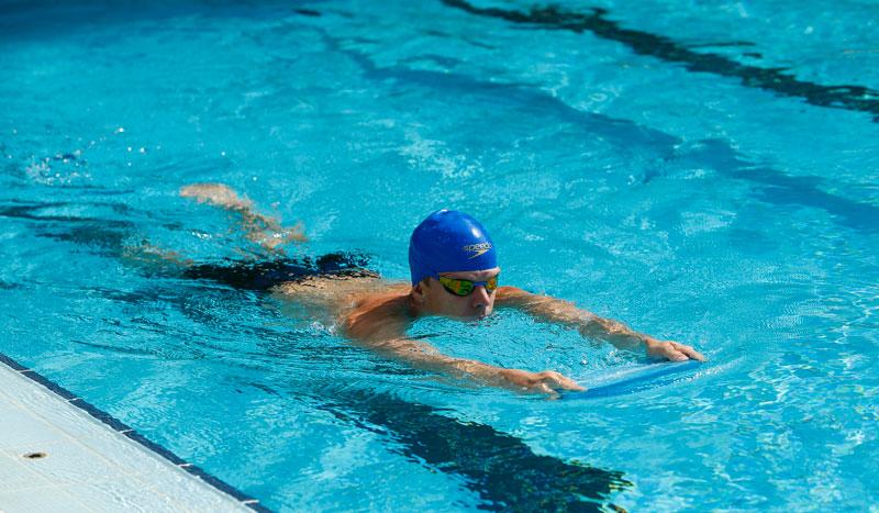 Mejora tu nivel de fitness con natación