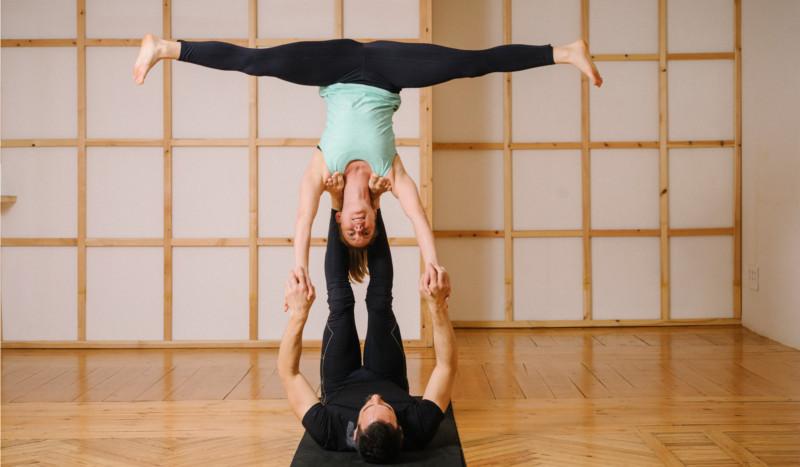 Acroyoga Posturas Dificiles Yoga Para Deportistas Sportlife