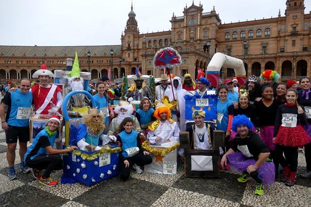 Despide la Nochevieja corriendo la San Silvestre en Sevilla