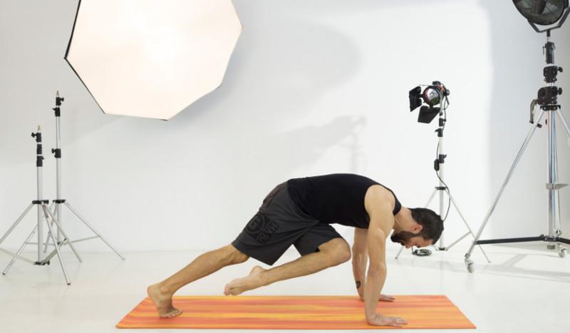 Yoga para trabajar tus abdominales y proteger tus lumbares