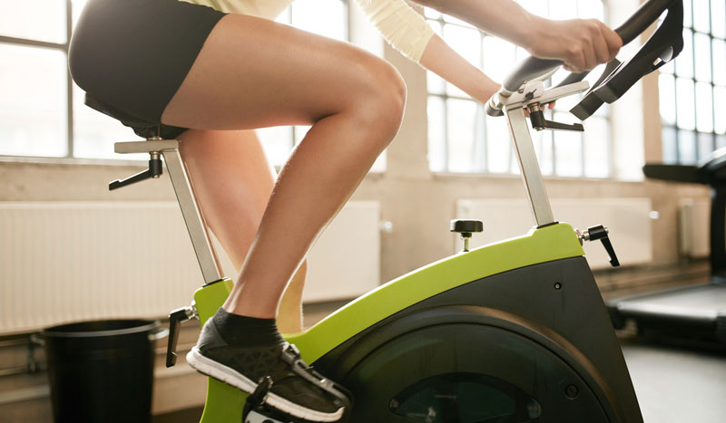 ¿Elimina las grasas de las piernas correr o ir en bici?