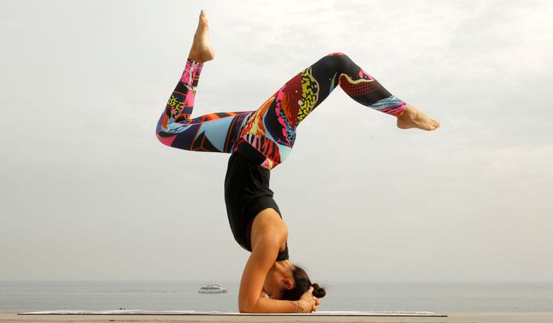 Trabaja tu zona abdominal con estas 4 posturas de yoga