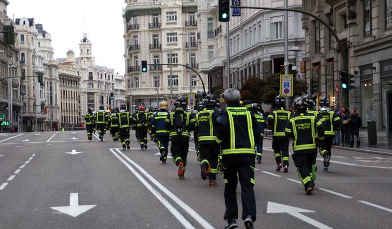 Cinco mil corredores en la VI Carrera Iberdrola Bomberos de Madrid