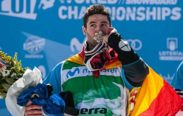 Lucar Eguibar, medalla de plata en el Mundial de snowboardcross
