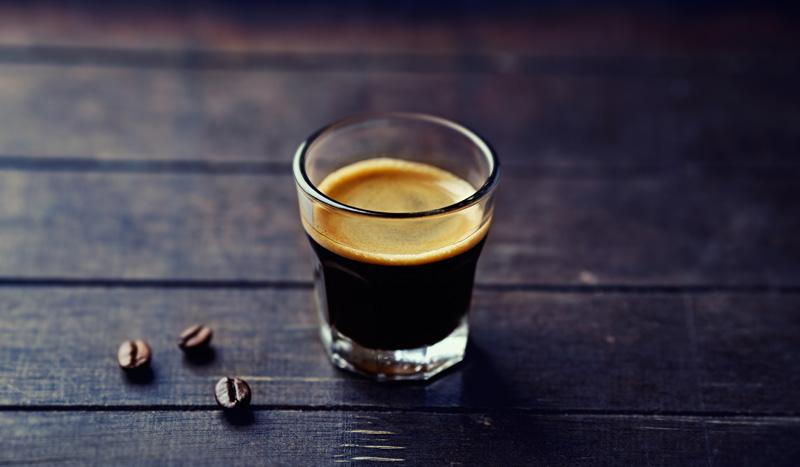 El poder de la cafeína: ¿cuánto puede mejorar tu rendimiento al hacer deporte?