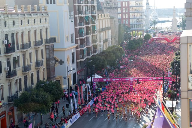 Marta Esteban gana la Carrera de la Mujer de Valencia