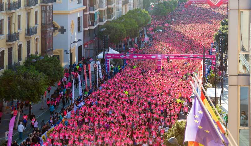 Las mejores imágenes de las 15.000 corredoras de la Carrera de la Mujer de Valencia
