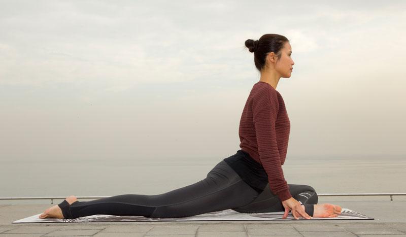 Las mejores posturas de yoga para flexibilizar caderas