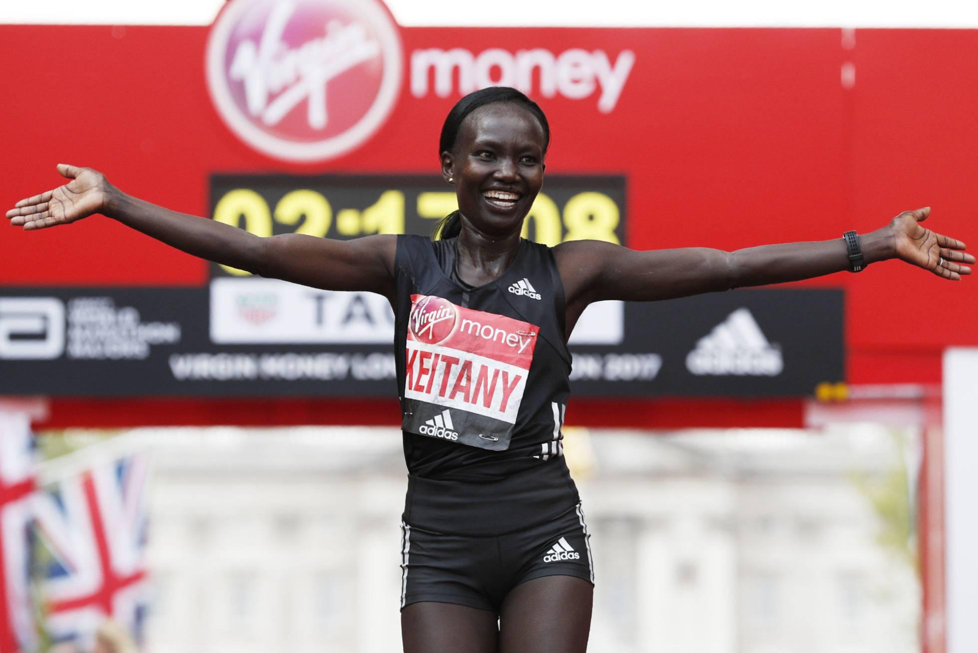 El récord de Mary Keitany, 2h 17 en Londres