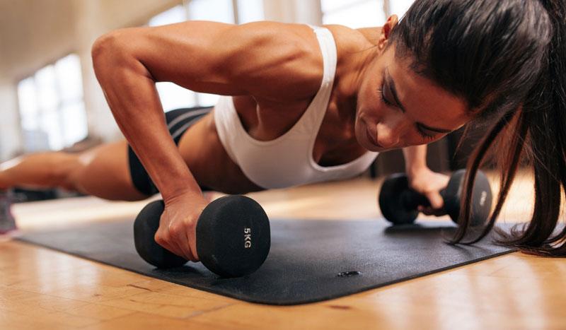Ganar músculo y perder grasa: 4 entrenamientos con tu propio peso corporal