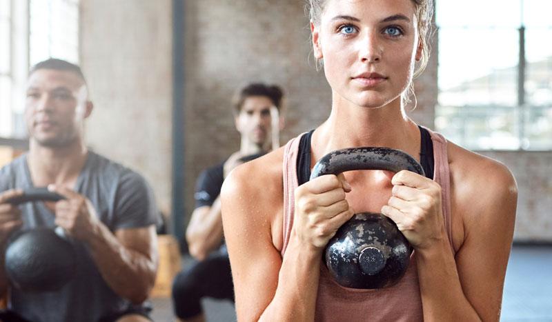 En fitness también se calienta, ¡ejercicios previos antilesiones!