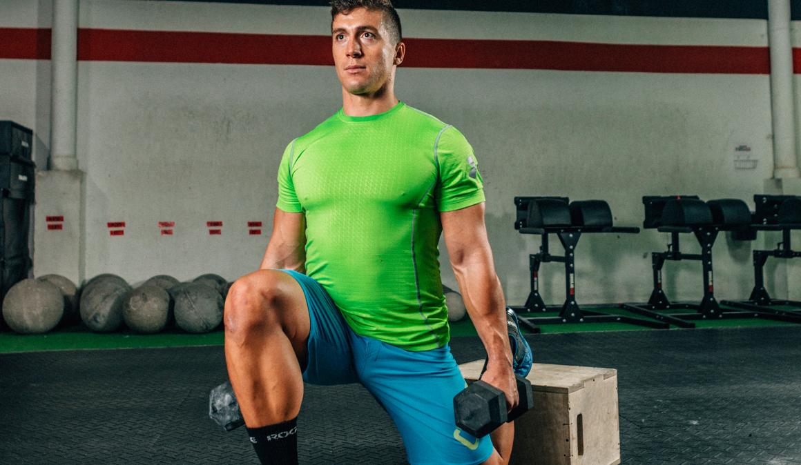Estiramiento con pesas para ganar movilidad