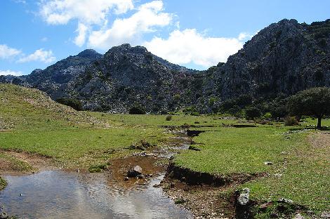 Yoga y actividades de naturaleza en Andalucía