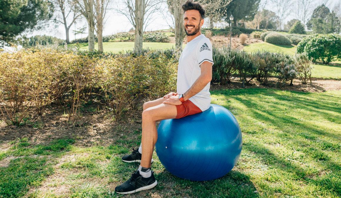 Mejor corredor con fitnessball: ejercicios para abdominales y equilibrio