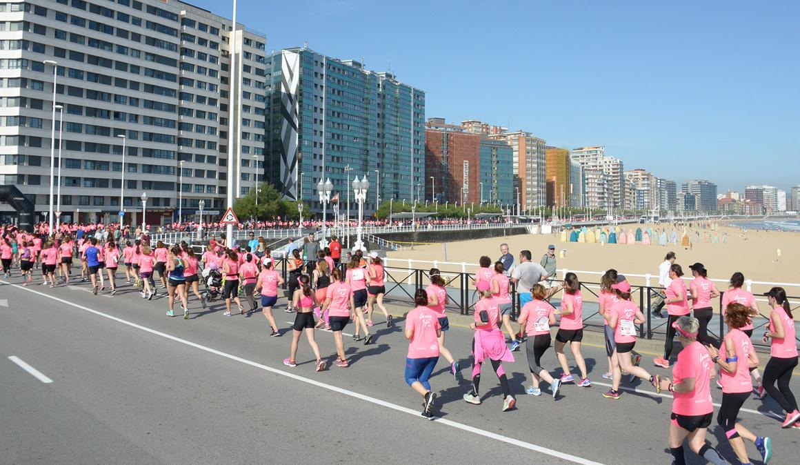 Las mejores imágenes de la Carrera de la Mujer de Gijón y sus 8.000 corredoras