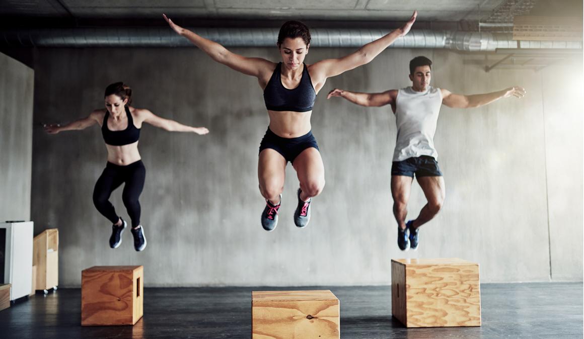 Salta y serás más fuerte, todo lo que la pliometría hace por tu musculatura con ejemplos en vídeo