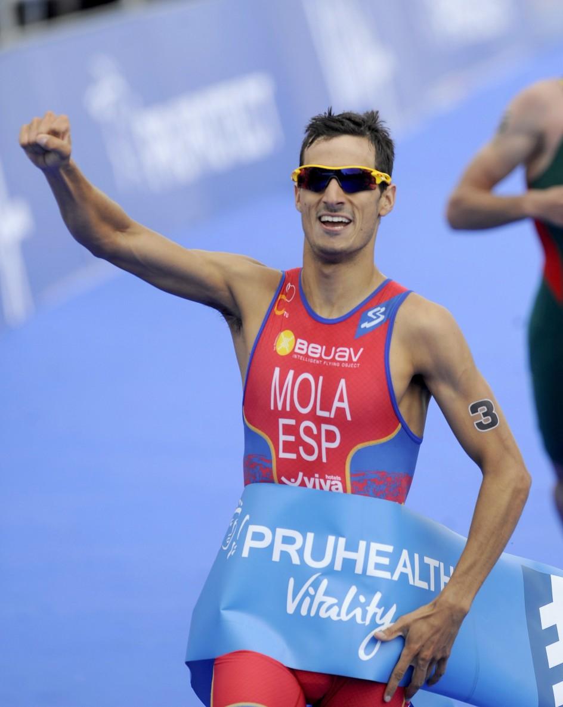 Mario Mola gana en la Series Mundiales de triatlón