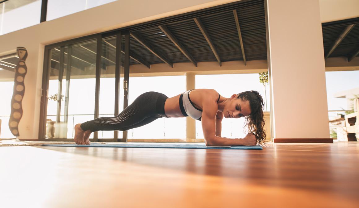 Circuitos exprés para entrenar fuerza, cardio y corrección postural