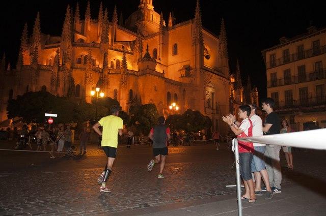 La carrera nocturna de Segovia