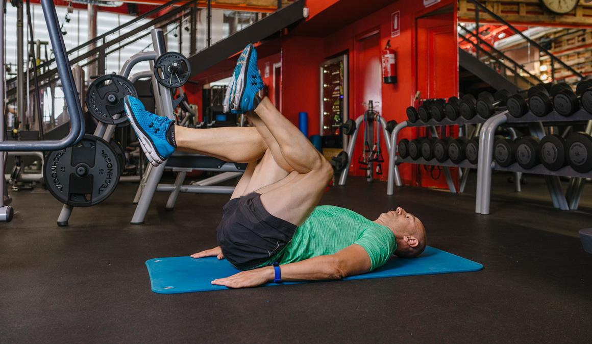 Entrenar después de los 40: 10 ejercicios que no puedes dejar de hacer