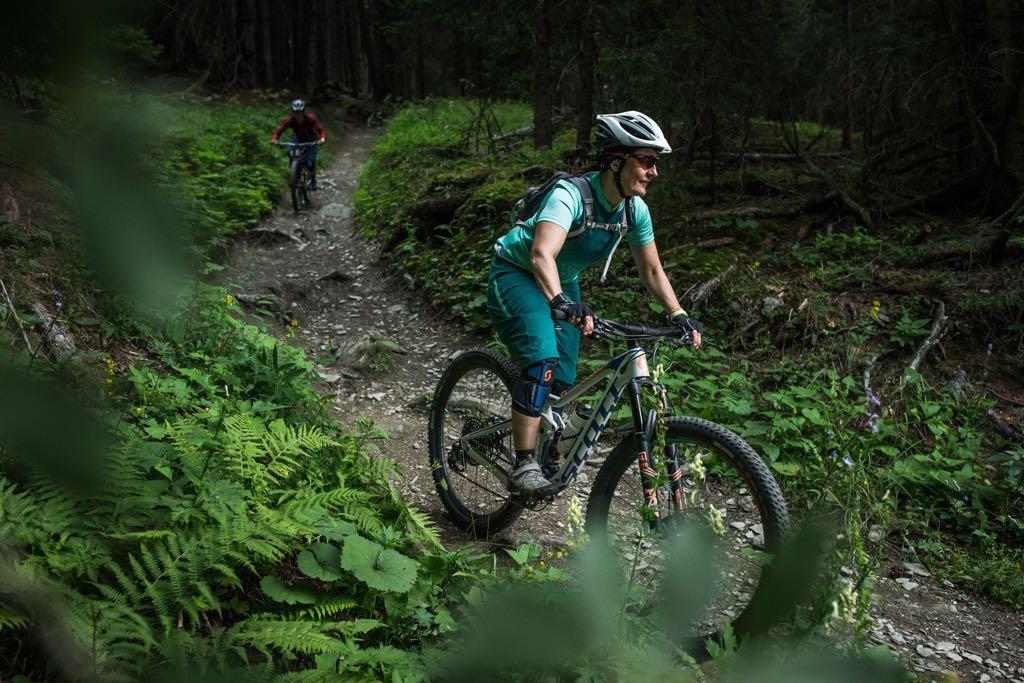 El porqué las chicas necesitamos bicis de mujer